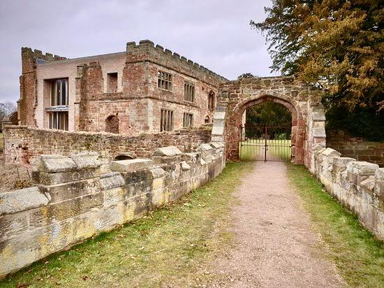 astley-castle
